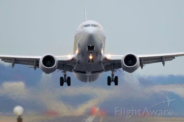 Boeing 737-700 — - Boeing 737-800