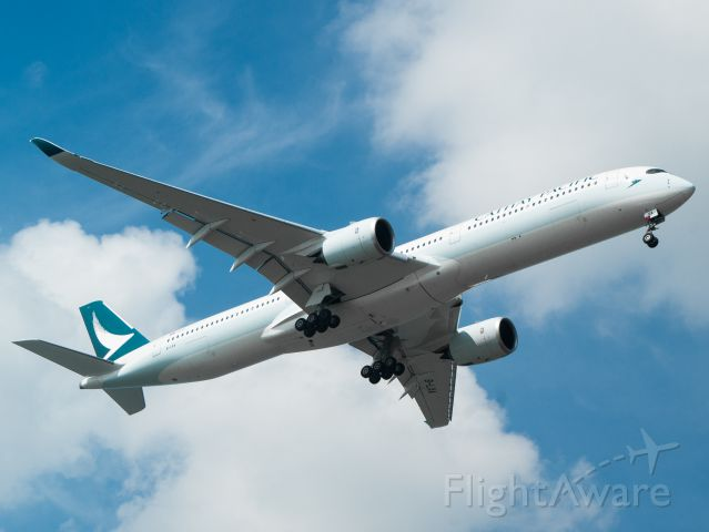Airbus A350-1000 (B-LXA) - Coming in from Bangkok, the first A350-1000 for Cathay arrives at Singapore Changi
