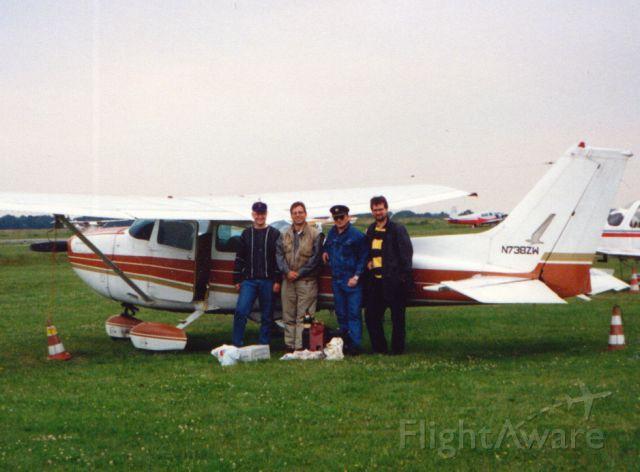 Cessna Skyhawk (N783ZW) - At Essen-Muehlheim, Germany. On a trip to Oviedo, Spain.