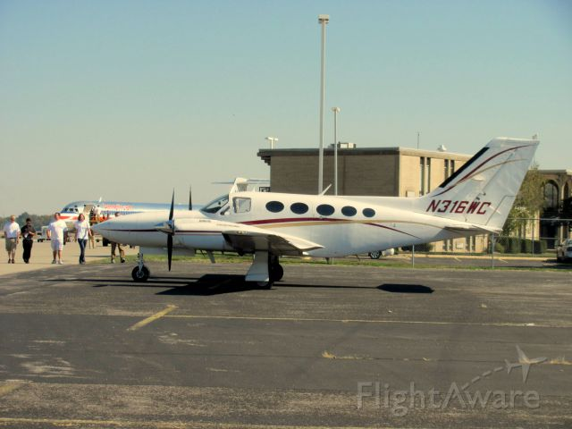 Cessna 421 (N316WC) - This plane is owned by Southern Illinois University. It usually carries around the schools Board of Trustees around the area.