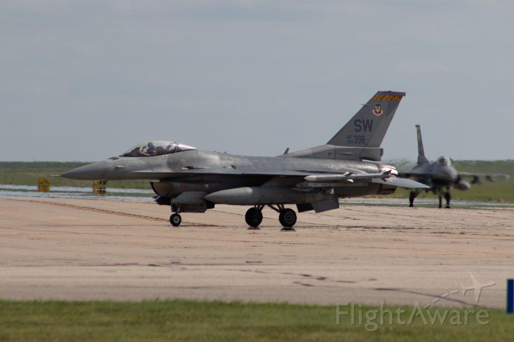 Lockheed F-16 Fighting Falcon (N91398)