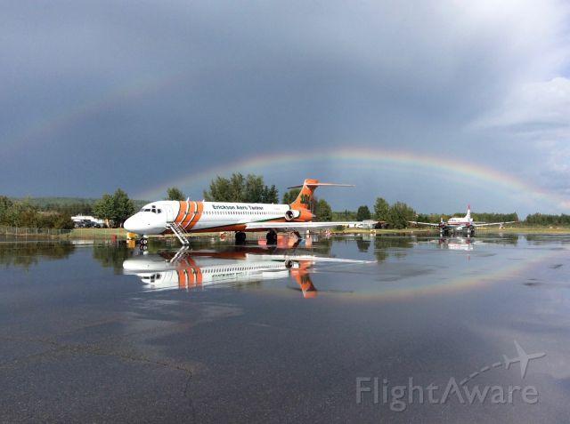 McDonnell Douglas MD-87 (N291EA)