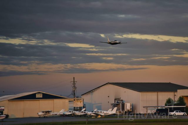 Piper Aerostar (N125SE) - Salute to Caretakers