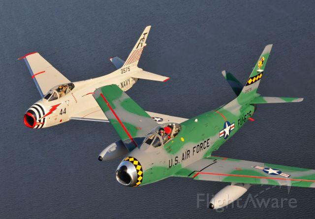 Experimental  (N80FS) - Sabre-6 w. FJ-4B Fury