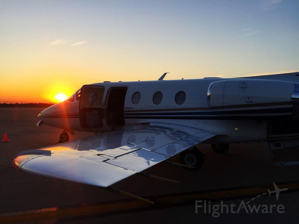 Beechcraft Beechjet (N488TM) - N488TM resting before turning back to Pittsburgh operating as VTE1204 for OneJet 10/06/2016