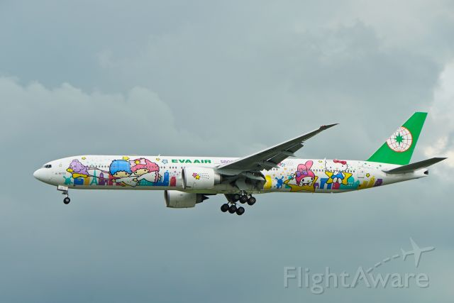 Boeing 777-200 (B-16722) - Special Hello Kitty Livery!