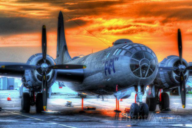 Boeing B-29 Superfortress (N529B) - B-29 Sunrise
