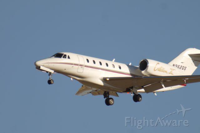 Dassault Falcon 2000 (N962QS)