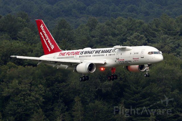Boeing 757-200 (N757HW) - 'Honeywell 757' arriving from Phoenix  (8/1)