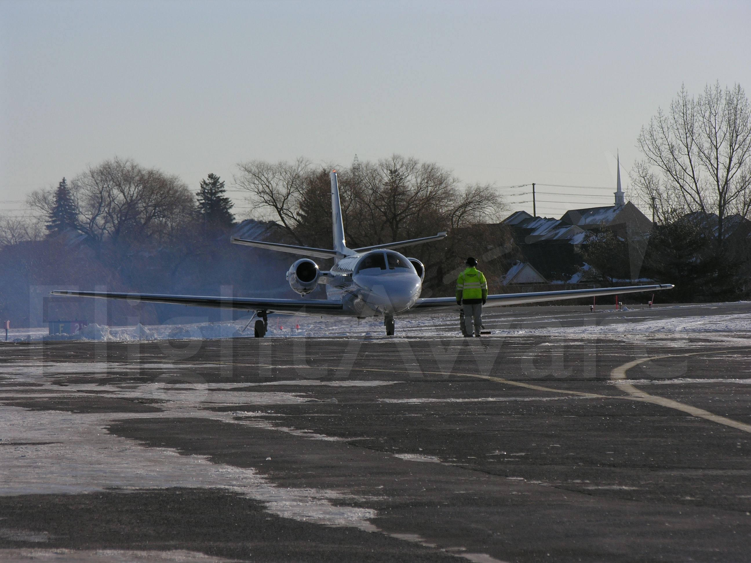 Cessna Citation V (N60KM) - Smokey startup for this 1998 C560 on her way to CYUL.