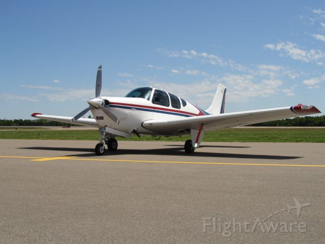 Beechcraft Bonanza (36) (C-FMND)