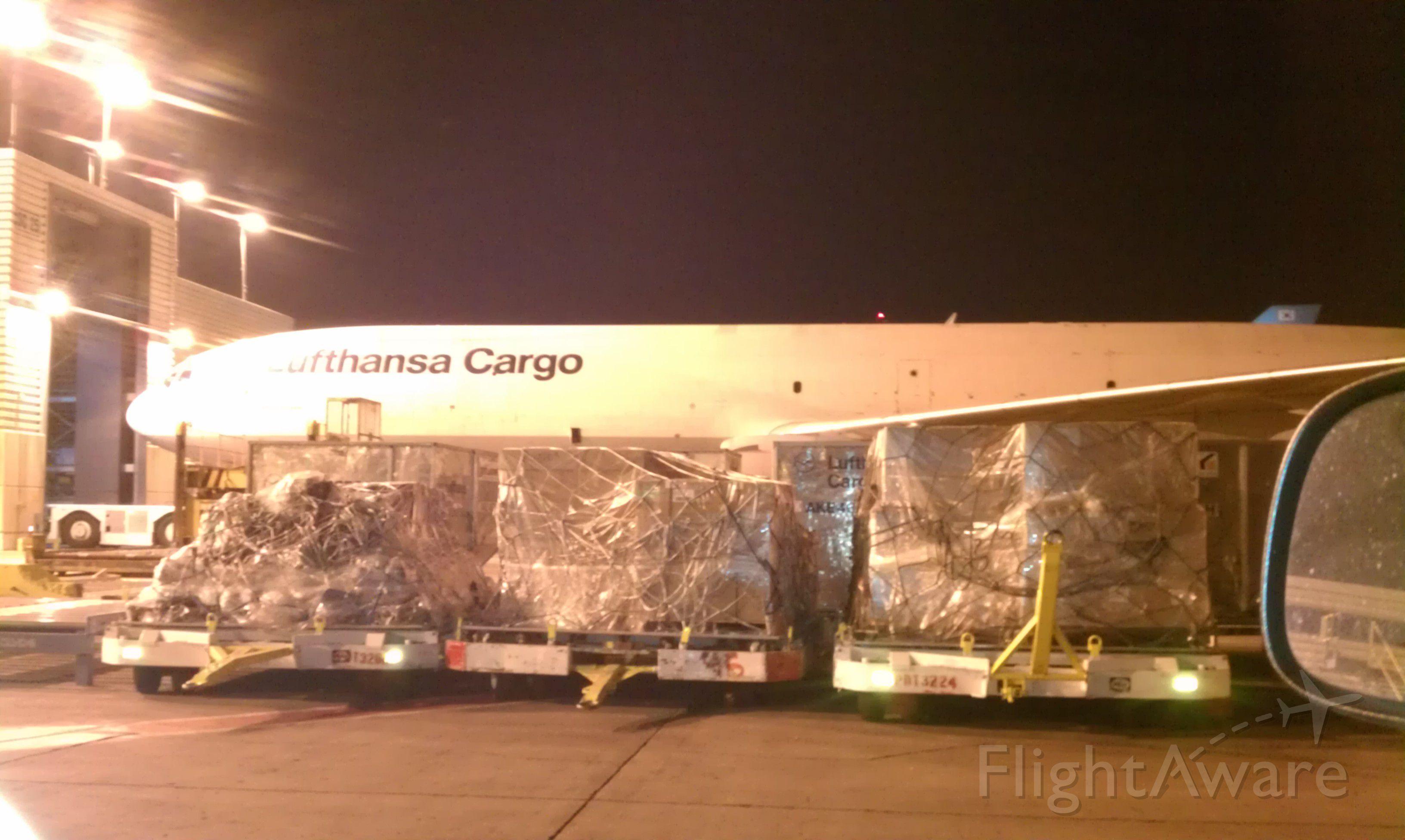 — — - lufthansa Cargo Aircraft