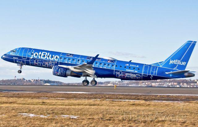 Embraer ERJ-190 (N304JB) - Touchdown - Smoke
