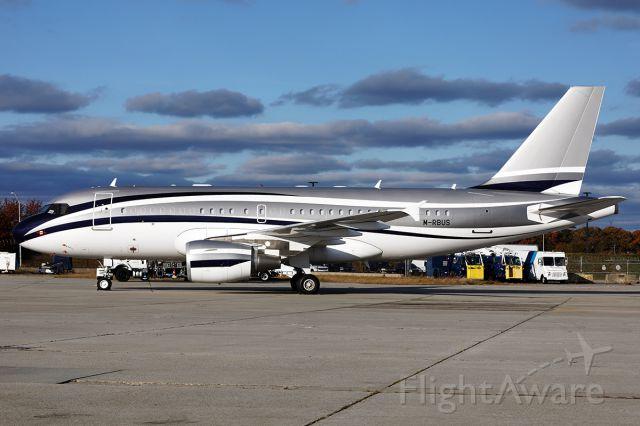 Airbus A319 (M-RBUS)