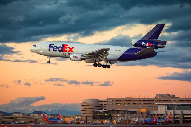 McDonnell Douglas DC-10 (N396FE) - FedEx MD-10 on final to RWY 25L at KPHX during beautiful Arizona sunset.