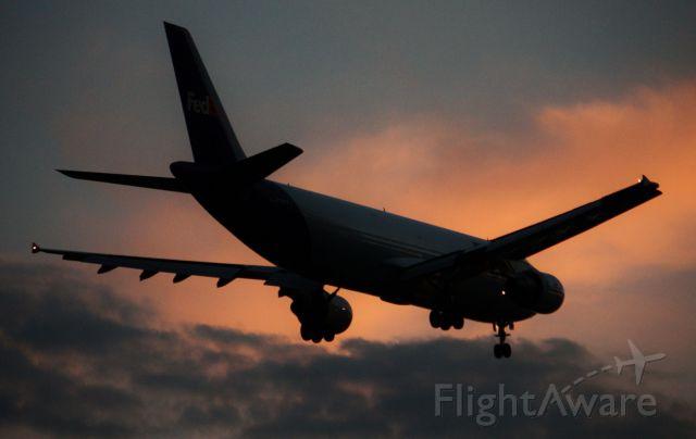N741FD — - Landing rwy 24L at CLE