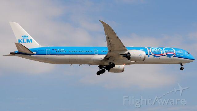 BOEING 787-10 Dreamliner (PH-BKA)