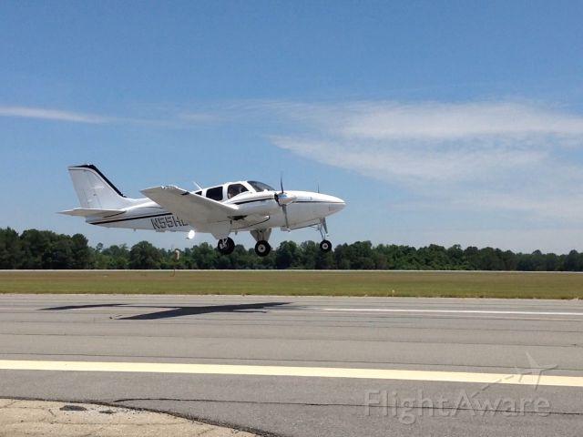 Beechcraft 55 Baron (N55HD)