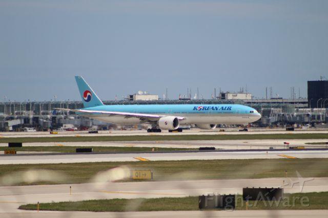 BOEING 777-300ER (HL7205) - KAL38 to Seoul (ICN) on 7/31/20. Departing on runway 10L.