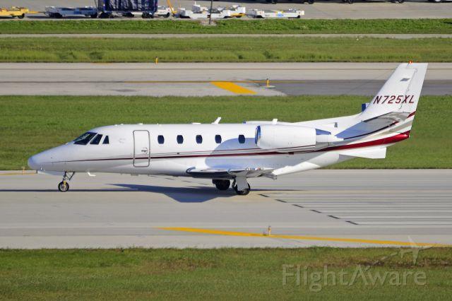 Cessna Citation Excel/XLS (N725XL) - Takeoff roll at KFLL