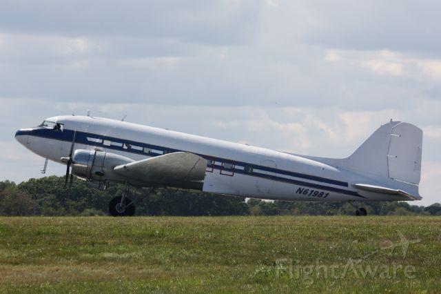 Douglas DC-3 (N61981)