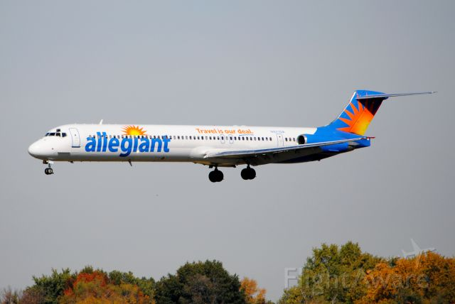 McDonnell Douglas MD-83 (N871GA) - Landing runway 23 in Des Moines, IA from Las Vegas, NV. Picture taken on October 15, 2012.