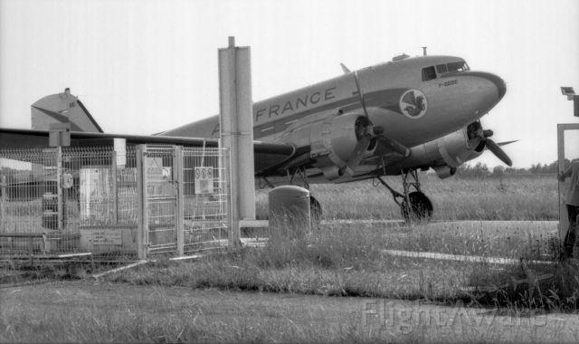 Douglas DC-3 (F-BBBE) - F-BBBE refuelling at Pau Airport.