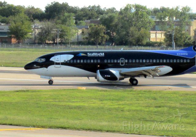 Boeing 737-500 (N334SW) - Shamu