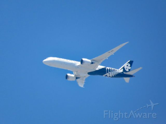 Boeing Dreamliner (Srs.8) (ZK-NZL) - From my back yard - Approaching LAX for landing