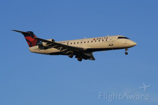 Canadair Regional Jet CRJ-200 (N8623A) - Arriving Montreal-Trudeau on runway 24R