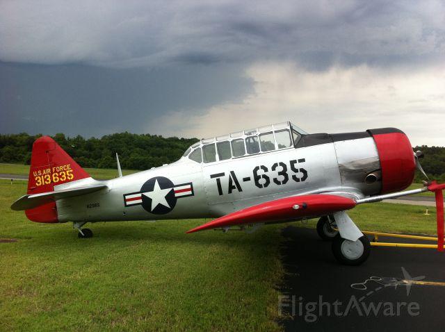 North American T-6 Texan (N29BS)