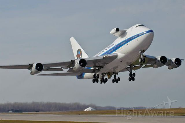 — — - Boeing 747SP (PWC744)<br />Pratt Whiteney Boeing