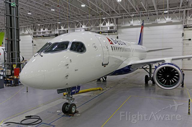 Airbus A220-100 (C-FOVL)