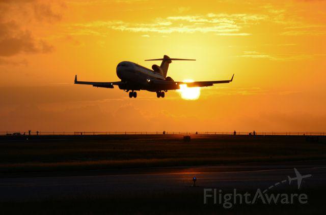 Boeing 727-100 (N495AJ) - AmeriJet sunset landing.