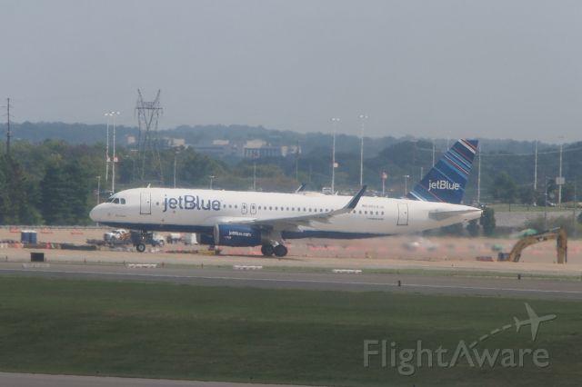 Airbus A321 (N804JB)