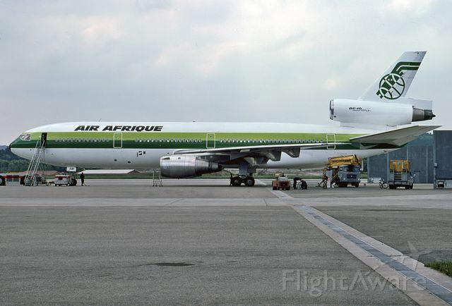 TU-TAM — - AIR AFRIQUE - MCDONNELL DOUGLAS DC-10-30 - REG TU-TAM (CN 46892) - PARIS ROISSY-CHARLES DE GAULLE FRANCE - LFPG 35MM SLIDE CONVERSION SCANNED AT 6400 DPI