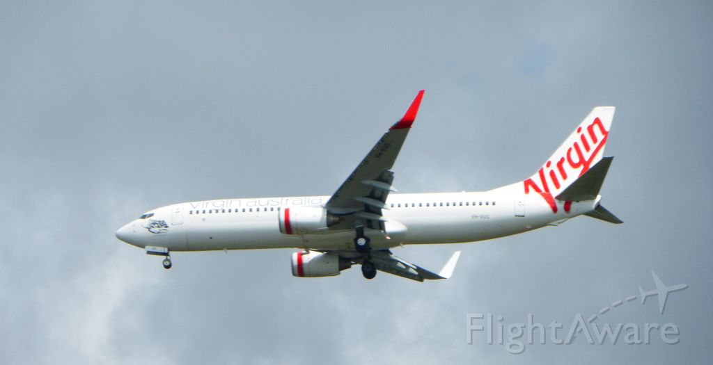 Boeing 737-700 (VH-VUD) - Virgin Australia, wheels down, on approach to Gold Coast Airport, Queensland, Australia