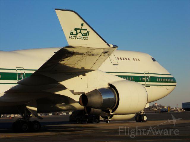 Boeing 747-400 (HZ-WBT7) - Kingdom Holdings !