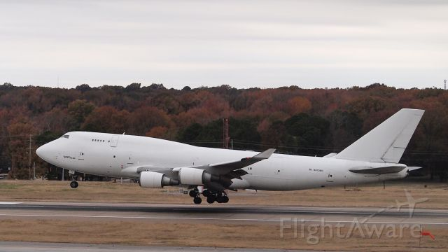 Boeing 747-400 (N473MC) - 18R.