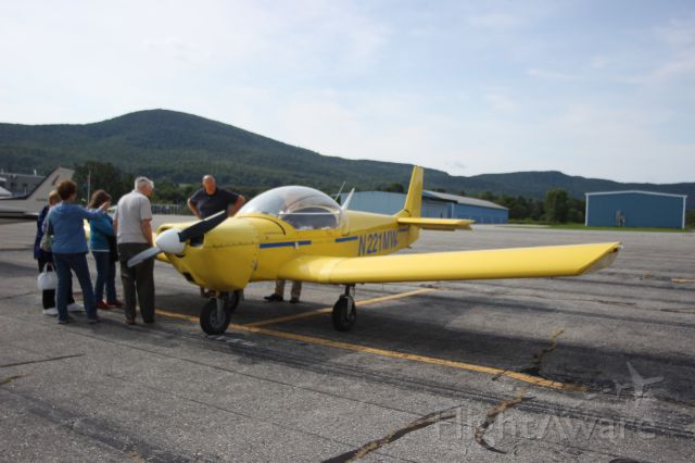 N221MW — - N221MW 2003 MARK A WOOD ZENITH 601 MARK A WOOD MIDDLEBURY, VERMONTbr /KDDH William H. Morse State Airport (Bennington, VT)br /Photo taken by Christopher Wright