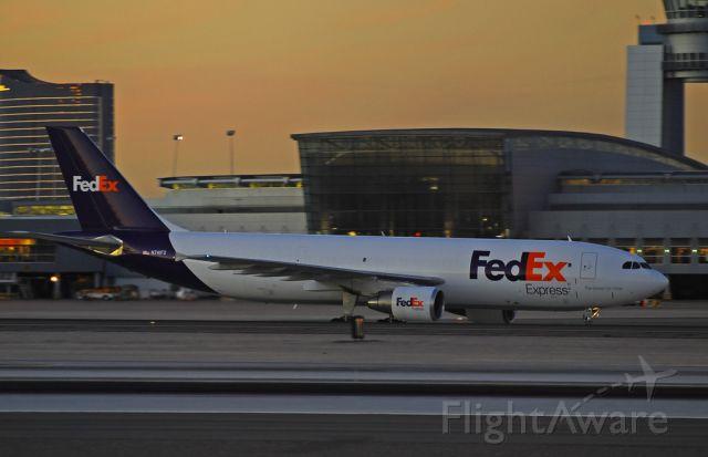 N741FD — - FedEx Express Airbus A300B4-622R(F) N741FD (cn 611)  Converted to a freighter for FedEx this former Qatar (A7-AFC) bird... Las Vegas - McCarran International (LAS / KLAS) USA - Nevada, November 12, 2010 Photo: Tomás Del Coro