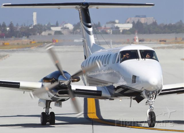 Beechcraft Super King Air 350 (N575RD) - Coolest pilots out there
