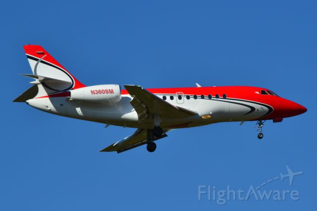 Dassault Falcon 2000 (N360SM) - MIAMI DIRECT LLC (Dumont Aviation Group) on final at KCLT - 10/24/18