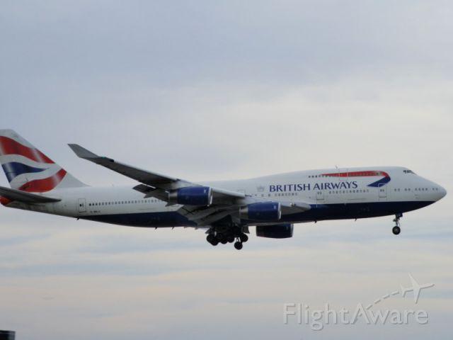 Boeing 747-400 (G-BNLU)