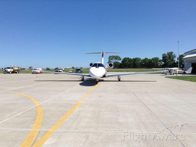— — - Private jet at Kump