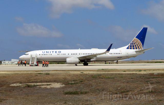 Boeing 737-900 (N67815) - UAL1422 from EWR.