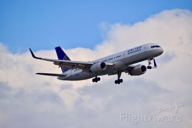 Boeing 757-200 (N58101)