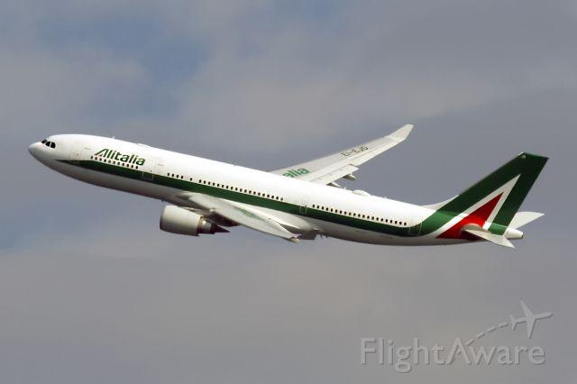 Airbus A330-300 (EI-EJO)