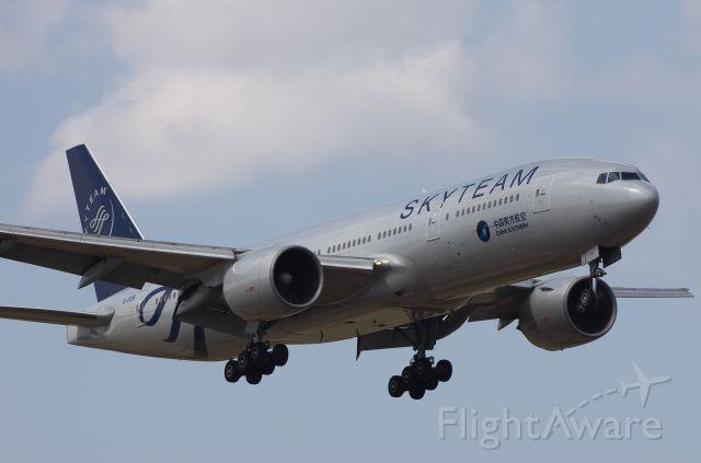Boeing 777-200 (B-2056)