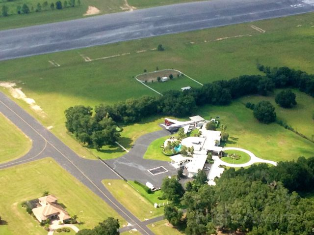 Boeing 707-100 (N707JT) - Private residence at Jumbolair airport 17FL north of Ocala, FL
